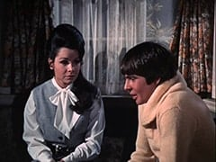 Teresa (Annette Funicello), Davy Jones