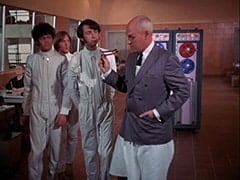 Micky Dolenz, Peter Tork, Mike Nesmith, Inspector Shrink (Charles Macaulay)