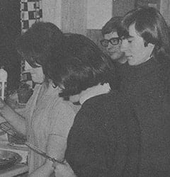 Beryl Jones, Lynda Jones Moore, Alex Moore, Davy Jones