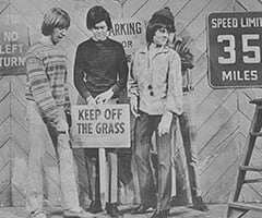Peter Tork, Micky Dolenz, Davy Jones, Mike Nesmith - Keep off the grass