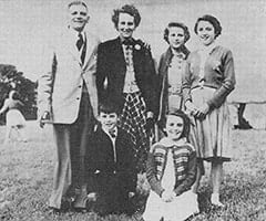 Harry Jones, Doris Jones, Hazel Jones Wilkinson, Beryl Jones, Davy Jones, Lynda Jones Moore