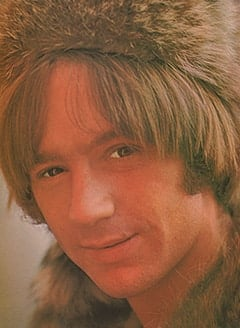 Uncle Raccoon (Peter Tork)