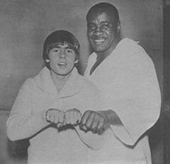 Davy Jones, Extra (Sonny Liston)