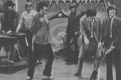 Paul Revere, Micky Dolenz, Freddy Weller, Keith Allison, Davy Jones