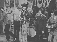 Micky Dolenz, Paul Revere, Mark Lindsay, Davy Jones, Keith Allison