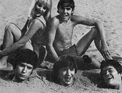 "Vanessa Russell (Robyn Millan), Davy Jones, Mike Nesmith, Peter Tork, Micky Dolenz - ""Here Come The Monkees (The Pilot)"""