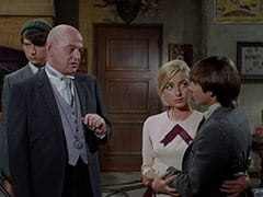 Mike Nesmith, Otto (Theo Marcuse), Bettina (Katherine Walsh), Davy Jones