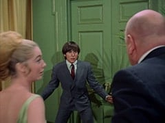 Bettina (Katherine Walsh), Davy Jones, Otto (Theo Marcuse)