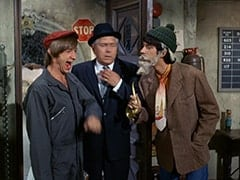 Peter Tork, McQuinney (Oliver McGowan), Mike Nesmith
