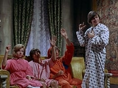 Ellie Reynolds (Stacey Maxwell), Davy Jones, Peter Tork, Micky Dolenz