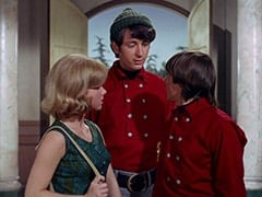 Ellie Reynolds (Stacey Maxwell), Mike Nesmith, Davy Jones