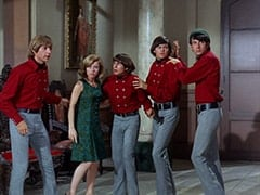 Peter Tork, Ellie Reynolds (Stacey Maxwell), Davy Jones, Micky Dolenz, Mike Nesmith