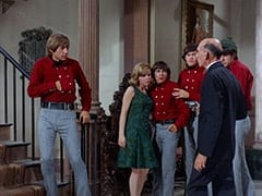 Peter Tork, Ellie Reynolds (Stacey Maxwell), Davy Jones, Micky Dolenz, Ralph (Milton Parsons), Mike Nesmith