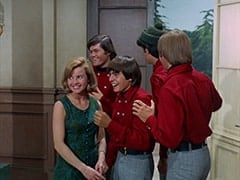 Ellie Reynolds (Stacey Maxwell), Micky Dolenz, Davy Jones, Mike Nesmith, Peter Tork