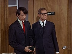 Mike Nesmith, Daggart (Stan Freberg)