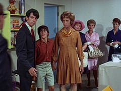 Mike Nesmith, Davy Jones, Peter Tork, Mrs. Zuckerman (Dorothy Konrad), Woman in Blue Dress (?)
