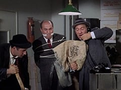 George (Vic Tayback), Kidnapee (?), Horace (Louis Quinn)