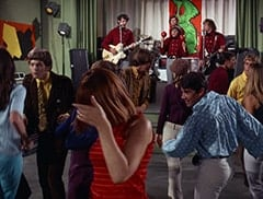 Mike Nesmith, John London, Micky Dolenz, Davy Jones, Valerie Kairys, Peter Tork, David Pearl, Jan Freeman