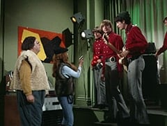 Boris (Jacques Aubuchon), Madame Olinsky (Arlene Martel), Davy Jones, Peter Tork, Mike Nesmith