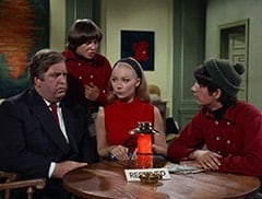 Boris (Jacques Aubuchon), Davy Jones, Madame Olinsky (Arlene Martel), Mike Nesmith
