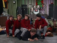Micky Dolenz, Peter Tork, Davy Jones, Boris (Jacques Aubuchon), Mike Nesmith