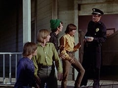 Micky Dolenz, Peter Tork, Mike Nesmith, Davy Jones, 1st Cop (Hollis Morrison)