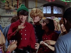 Mike Nesmith, Mrs. Arcadian (Micky Dolenz), Davy Jones, Light Blonde Extra