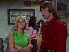 Man-Seeking Party Guest (Lynne Marta), Peter Tork