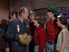Micky Dolenz, General Harley Vandenberg (Arch Johnson), Peter Tork, Davy Jones, Mike Nesmith, Cynthia (Judy Murdock)