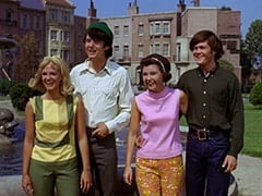 Man-Seeking Party Guest (Lynne Marta), Mike Nesmith, Cynthia (Judy Murdock), Micky Dolenz