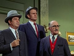 Fuselli (Harvey Lembeck), Rocco (Karl Lukas), Pop (Paul DeVille)