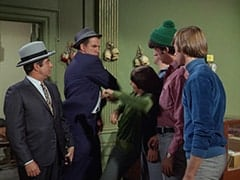Fuselli (Harvey Lembeck), Rocco (Karl Lukas), Davy Jones, Mike Nesmith, Peter Tork