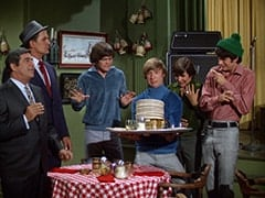 Fuselli (Harvey Lembeck), Rocco (Karl Lukas), Micky Dolenz, Peter Tork, Davy Jones, Mike Nesmith