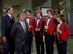 Rocco (Karl Lukas), Fuselli (Harvey Lembeck), Mike Nesmith, Peter Tork, Micky Dolenz, Davy Jones