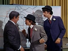 Fuselli (Harvey Lembeck), Davy Jones, Mike Nesmith