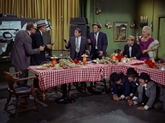 Paddy the Fix (Jon Kowal), Red O'Leary (Paul Sorensen), Fuselli (Harvey Lembeck), Rocco (Karl Lukas), Mike Nesmith, Benny the Book (Mousy Garner), Micky Dolenz, Big Flora (Helene Winston), Davy Jones