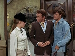 Valerie Cartwright (Lisa James), Ronnie Farnsworth (George Furth), Micky Dolenz