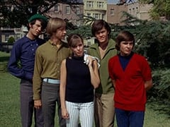 Mike Nesmith, Peter Tork, Valerie Cartwright (Lisa James), Micky Dolenz, Davy Jones