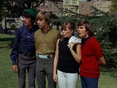 Mike Nesmith, Peter Tork, Valerie Cartwright (Lisa James), Davy Jones