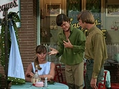 Valerie Cartwright (Lisa James), Micky Dolenz, Peter Tork