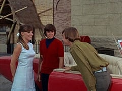 Valerie Cartwright (Lisa James), Davy Jones, Peter Tork