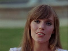 Valerie Cartwright (Lisa James)