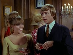 Light Blonde Extra, Valerie Cartwright (Lisa James), Peter Tork