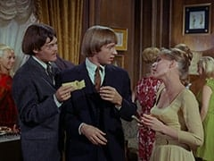 Light Blonde Extra, Micky Dolenz, Peter Tork, Valerie Cartwright (Lisa James)