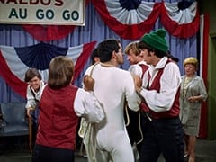 Micky Dolenz, Davy Jones, Smoothie (Derrik Lewis), Peter Tork, Mike Nesmith