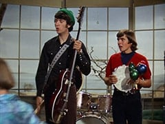 Mike Nesmith, Davy Jones