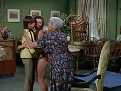 Davy Jones, Fern Badderly (Kelly Jean Peters), Mrs. Badderly (Reta Shaw)