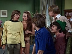 Davy Jones, Fern Badderly (Kelly Jean Peters), Micky Dolenz, Peter Tork, Mike Nesmith