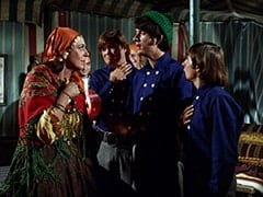 Maria (Jeanne Arnold), Micky Dolenz, Mike Nesmith, Davy Jones