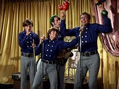 Micky Dolenz, Davy Jones, Mike Nesmith, Marco (Vincent Beck)